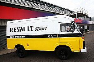 Две машины и милый фургон: Renault отмечает 40 лет в Ф1