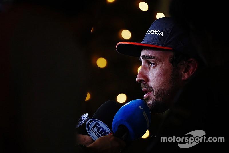 Alonso valamit nagyon magyarázott a Hondának...