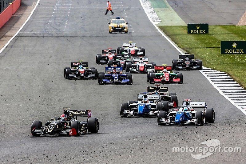 В Формуле V8 3.5 связали нехватку участников с проблемой перехода в Ф1