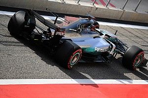 Hamilton volunteers to test 2018 Pirelli tyres