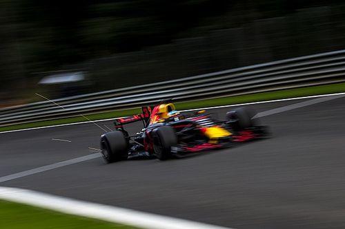 """Ricciardo: """"Ook ik vraag het team waarom het mis gaat bij Verstappen"""""""