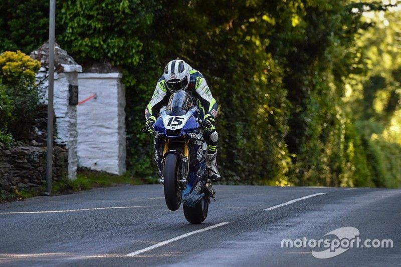 Dunlop pulls out of Isle of Man TT due to injury