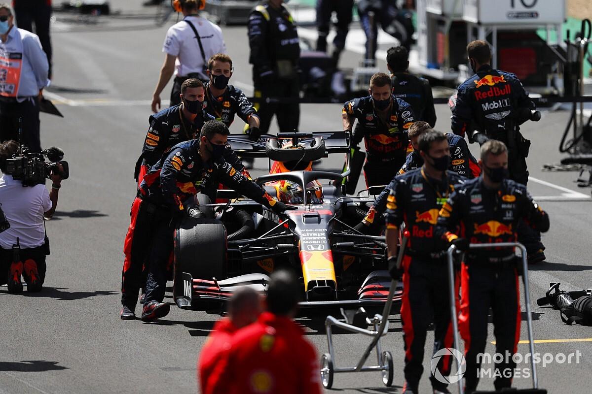 Red Bull pilotları yeni motora geçti!