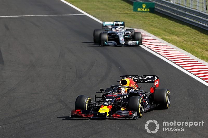 Hamilton és Verstappen között dőlhet el a szingapúri győzelem?