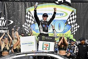 Kevin Harvick has the fuel and takes the win at Michigan