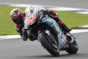 Quartararo net boven ronderecord in eerste training Britse GP