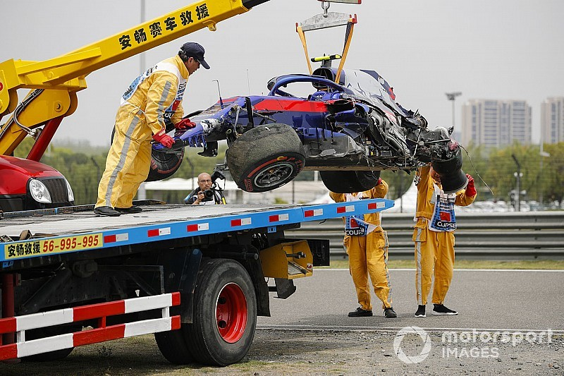 Albon to miss qualifying after practice shunt
