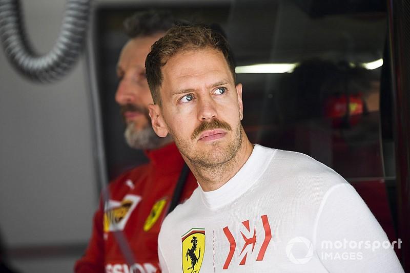 """Vettel verdedigt inhalen Verstappen: """"Niemand leek te merken dat de tijd drong"""""""