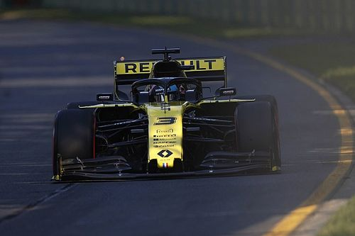 """Ricciardo didn't get """"100 percent"""" out of Renault"""