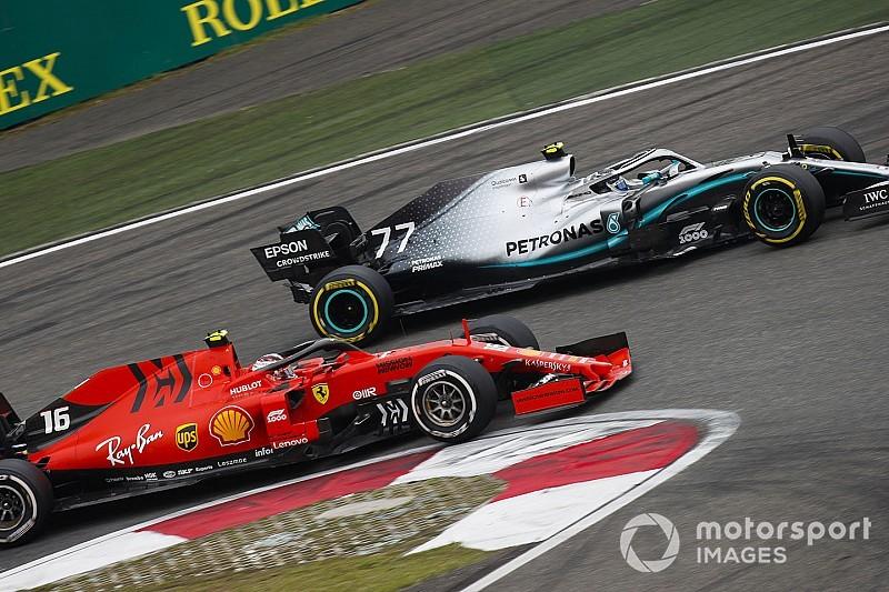 Mercedes breekt nieuwe records, Ferrari verzwakt verder