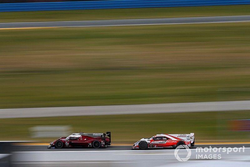 Acura y Cadillac en la lucha a mitad de carrera