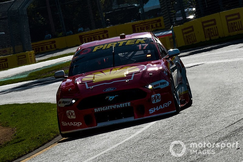 McLaughlin, Waters embroiled in bizarre warm-up lap clash
