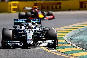 Mercedes domineert in tweede training Australië, Verstappen op P3