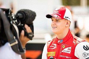 Sainz compatit avec Schumacher sur la pression qui l'entoure