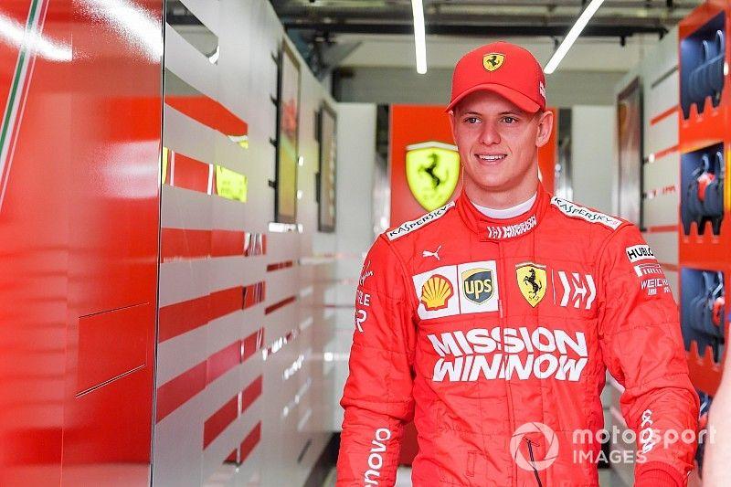 Schumacher se estrena con Ferrari en Bahréin