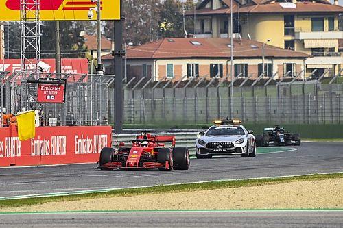 """Vettel: """"Güvenlik aracından geri tur alma kuralı 'utanç verici'"""""""