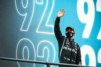 En images - Le jour où Hamilton a dépassé Schumacher