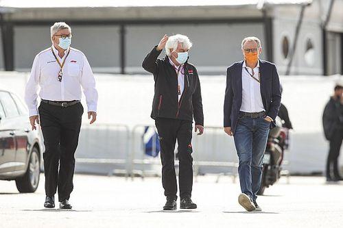 Ex-chefe da Ferrari, novo CEO da F1 alerta que escuderia pode perder Leclerc
