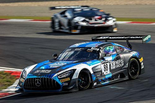 Смотрите прямо сейчас: вторая гонка GT в Барселоне