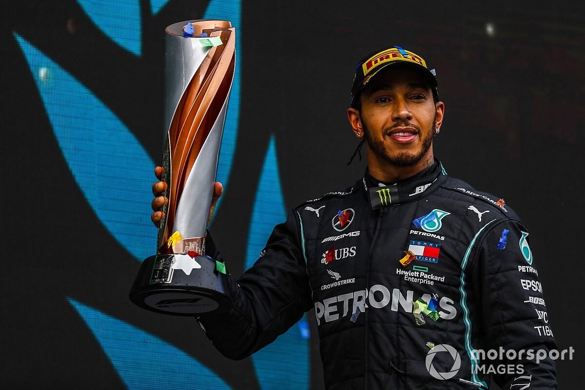 Ex-diretor da Mercedes afirma que Hamilton pôs fim ao debate 'carro x piloto' com hepta
