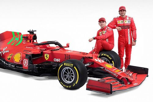 Ferrari pilotları için araçtaki yeşil renk, bir sürpriz olmuş