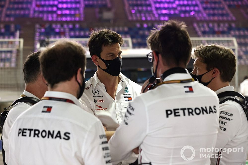 A Mercedes elérte motorja határait? A számok erre utalnak…