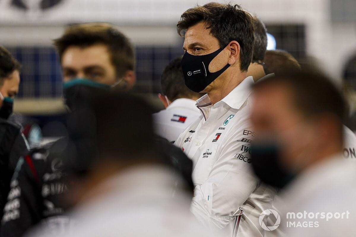 """""""Olcsón megúszta"""" a Mercedes az Abu Dhabi Nagydíjat"""