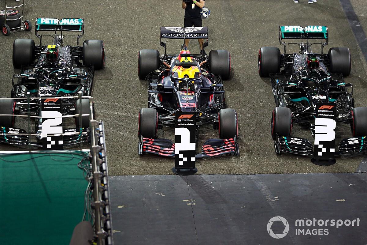 Анализ: Mercedes поддалась Red Bull в Абу-Даби?