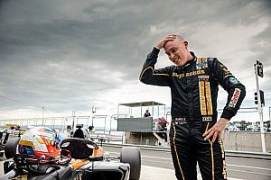 Tasmania S5000: Randle takes emotional pole