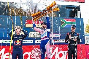"""Lawson leszólta az """"idióta"""" van der Lindét, miután miatta veszítette el a DTM bajnoki címét"""