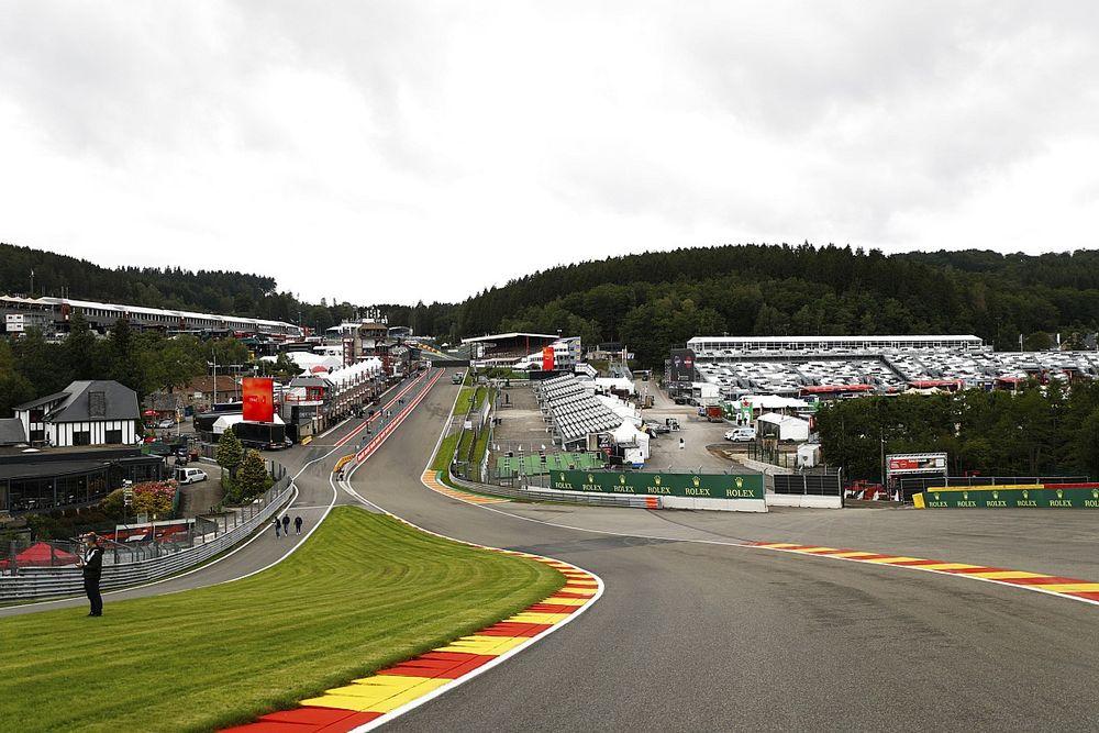 """Vettel: """"Túl gyorsan megyünk az Eau Rouge-ban"""""""