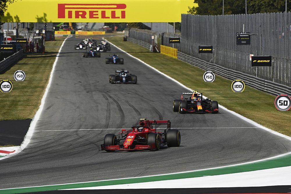 """Sainz: """"Da rabia no poder luchar por el podio pese a tenerlo ahí"""""""