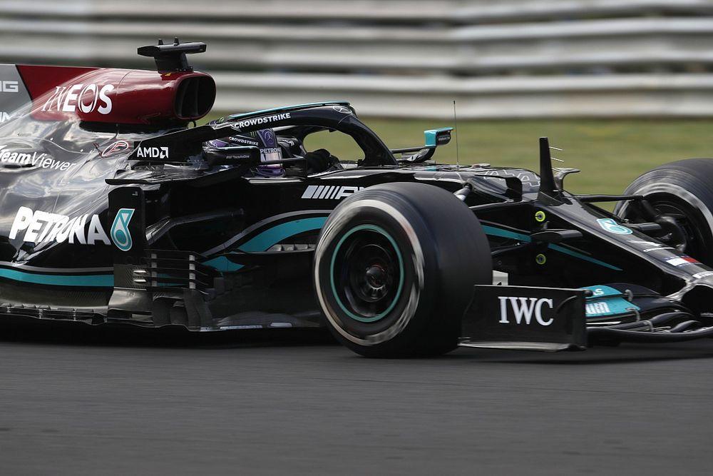 Mercedes, Hamilton'ı daha sonra pite almaları gerektiğini düşünüyor