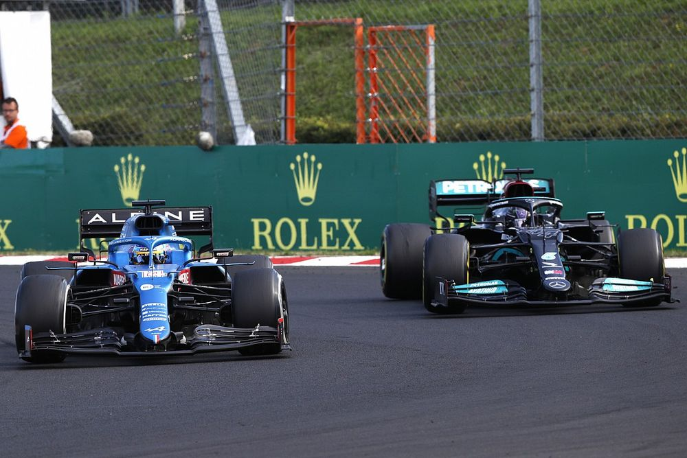 Alonso taught Hamilton the F1 racing line in Hungarian GP