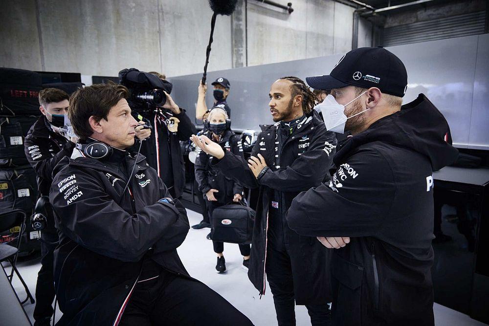 Bottas zasłużył na pozostanie w Mercedesie