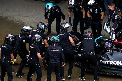 Mercedes: gli errori di Hamilton complicano i piani iridati