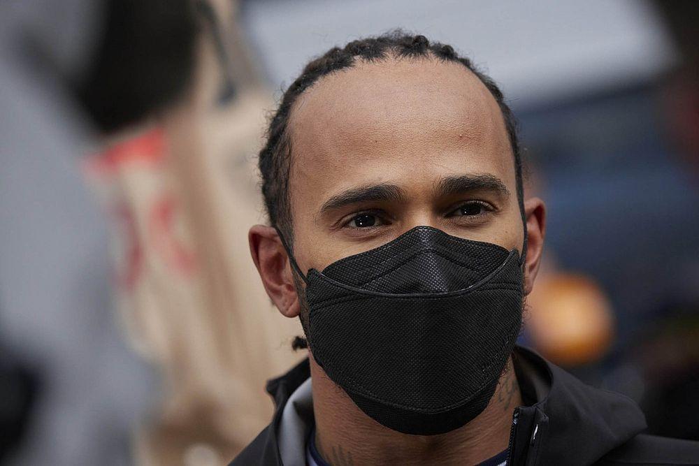 """Hamilton wil zich bewijzen in 2022: """"De races zullen intenser zijn"""""""
