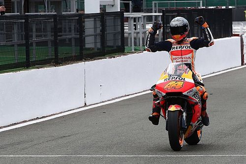 MotoGP Silverstone: Pol Espargaro pole pozisyonunda!