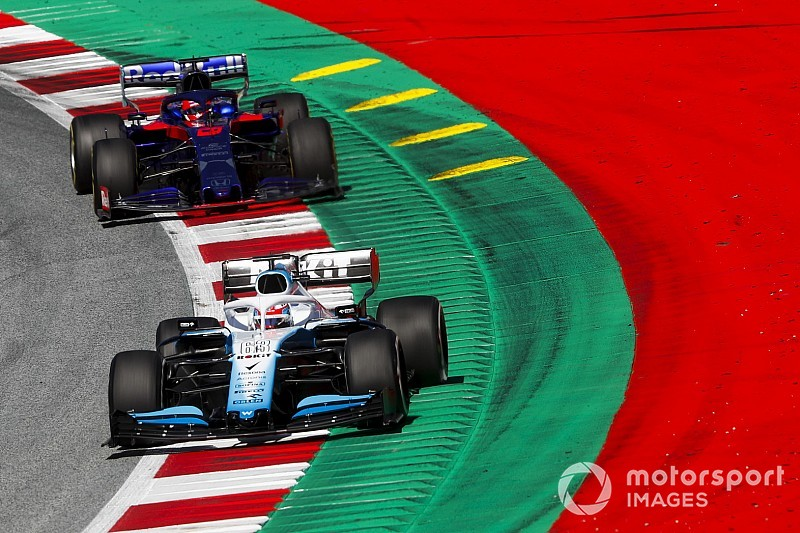 "Russell penalised after ""ruining"" Kvyat's qualifying"