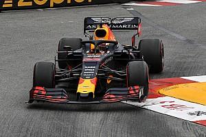 """Verstappen: """"Non possiamo mettere troppa pressione alle Mercedes"""""""