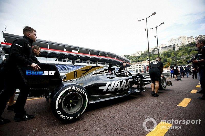 Los pilotos de Haas reciben la bandera negra por una extraña situación