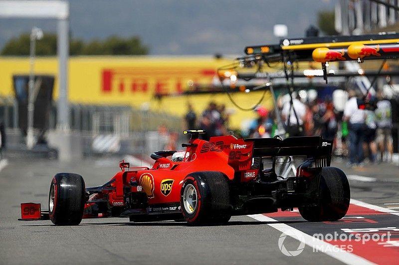 """""""Lavori in corso"""" in casa Ferrari, ma intanto le Mercedes scappano"""