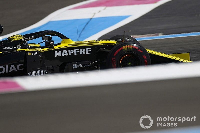 Renault fait le plein de pneus tendres à Silverstone
