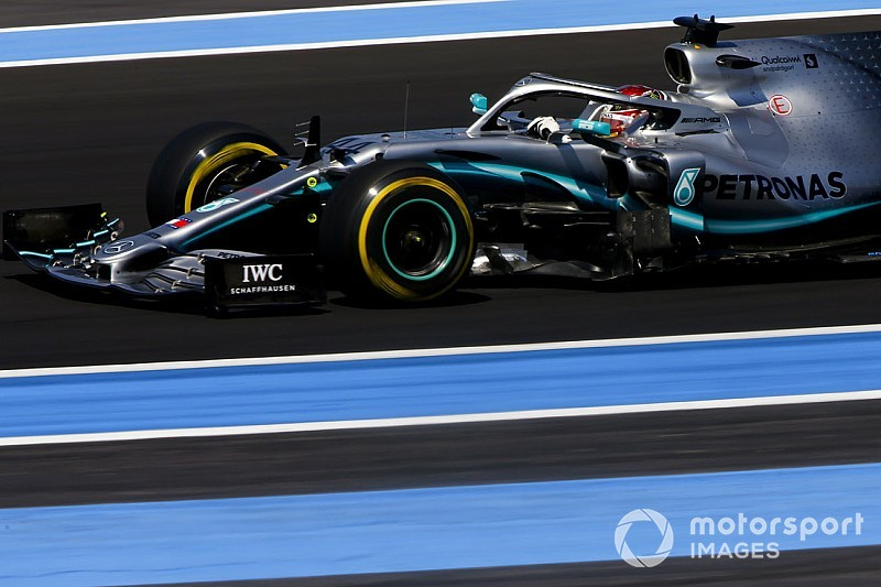 Course - Hamilton mène le 50e doublé Mercedes dans la torpeur estivale