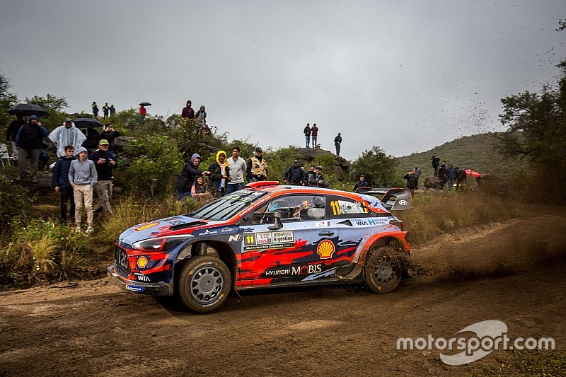 WRC, Rally d'Argentina, PS9-10: Neuville subito veloce. Tanak sale 2°