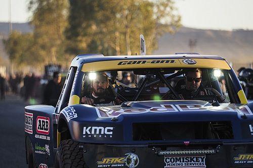 Price trabaja para competir en Dakar con cuatro ruedas.