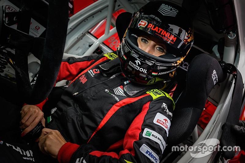 F1-es versenypályán versenyez Vogel Adrienn