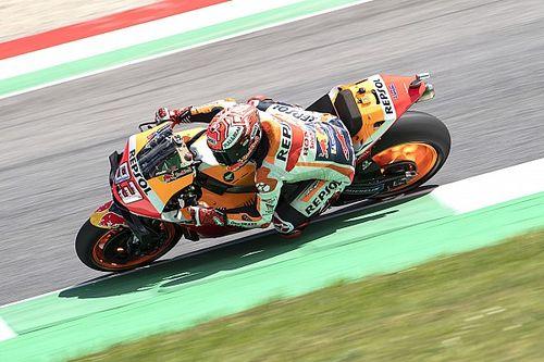 Довициозо помог Маркесу выиграть квалификацию MotoGP в Муджелло, Росси только 18-й