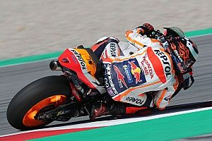 Lorenzo naar ziekenhuis na zware crash in training Dutch TT