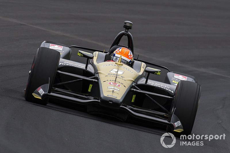 Hinchcliffe shunts on Indy 500 qualifying run